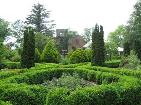 Barnsley Gardens by File Barnsley Gardens Ruins With Foliage Jpg