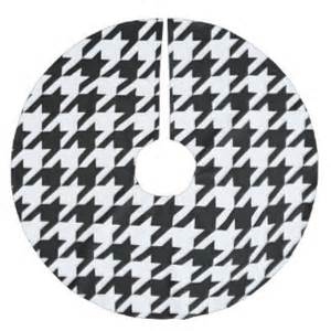 black and white tree skirt houndstooth tree skirts zazzle