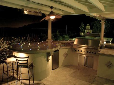 Stunning Backyard Patios Outdoor Kitchens And Backyard Backyard Grill Bar