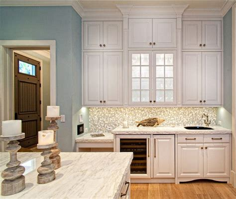 classic kitchen cabinets 17 best images about kitchens on pinterest islands
