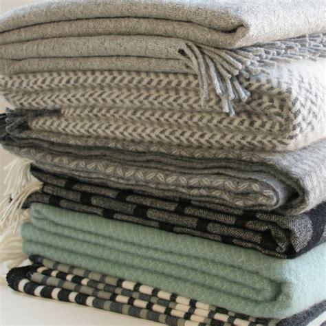 sofadecke kaufen klippan decke wolle 130 200 minze sofadecke wolldecke