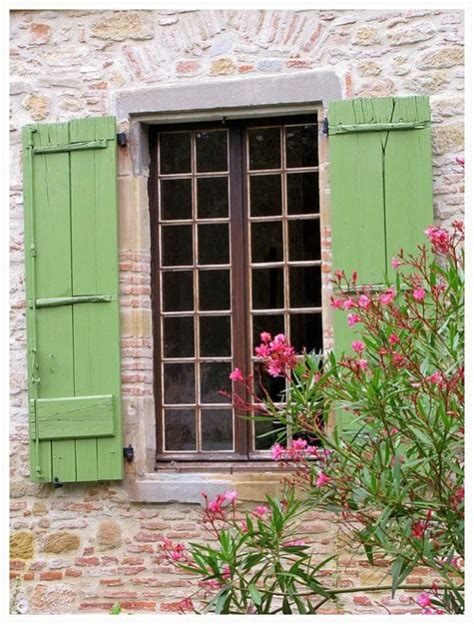 cottage window w shutters
