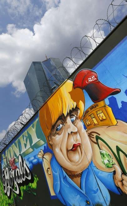 sede della bce francoforte graffiti polemici sulla nuova sede della bce