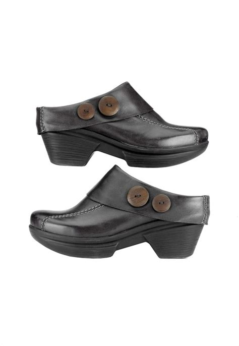 clogs for nursing nursing clogs home 187 brands 187 sanita 187 sanita nickolette
