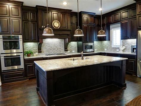 wood floors in kitchen with wood cabinets best 25 kitchens with dark cabinets ideas on pinterest