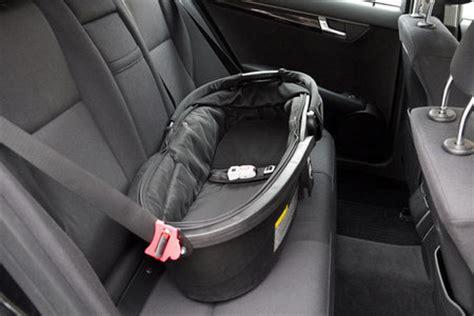 Kinder Im Auto Transportieren by Babyschale Kindersitz F 252 Rs Auto Oktober 2014 Babyclub