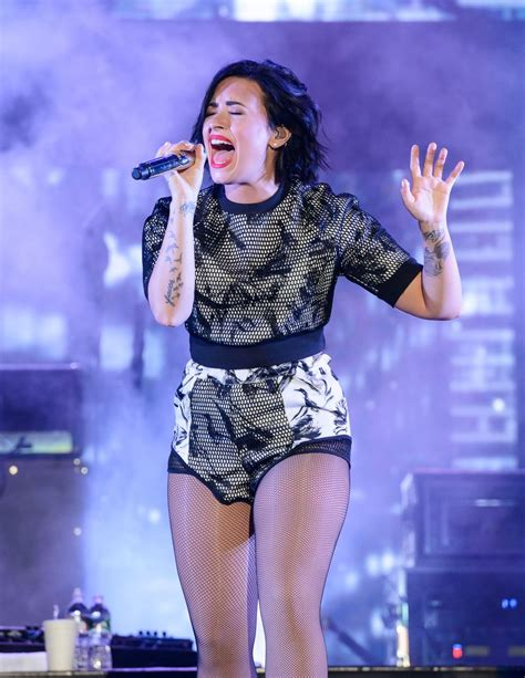 who is going to be at digifest 2015 world market news demi lovato at digifest 2015 in new york hawtcelebs