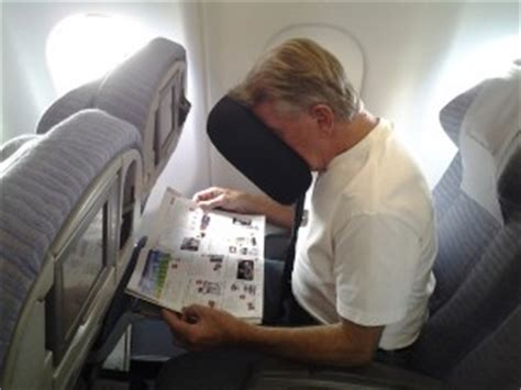 Best Airplane Travel Pillow by Can You Take A Travel Sleeper Pillow Through Tsa Airport