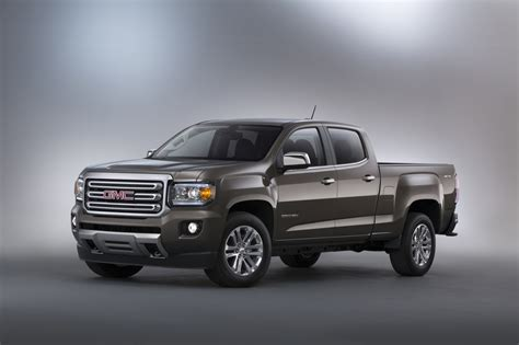 gmc canyon bed size 2015 gmc canyon official photos and specs gm authority