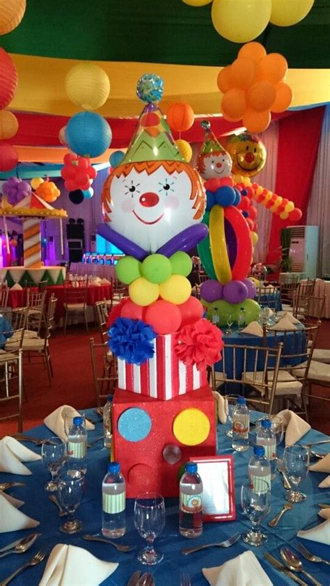 circus centerpieces best 25 circus theme centerpieces ideas on
