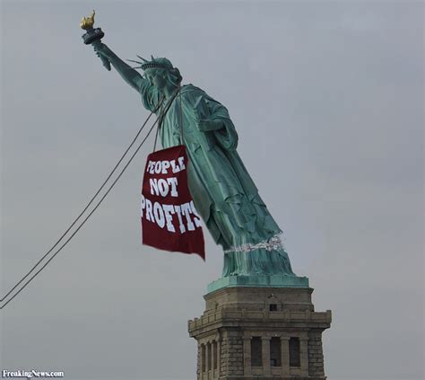 Lada Tieferlegen by Protest Pulling Statue Of Liberty Pictures Freaking