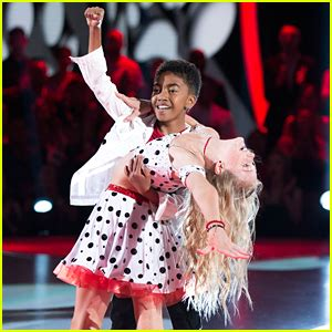 miles brown aladdin dwts juniors miles brown rylee arnold get dramatic with