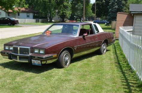 sell used 1983 grand prix lj maroon landau roof sun roof great original condition in united
