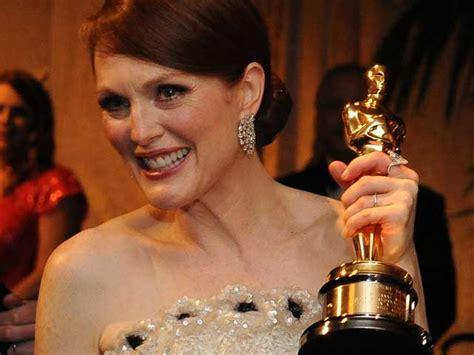 Film Oscar Julianne Moore | julianne moore late bloomer finally wins oscar ndtv movies