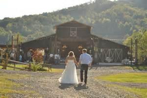 the great barn at mountain smokey mountain wedding barn smoky mountain barns