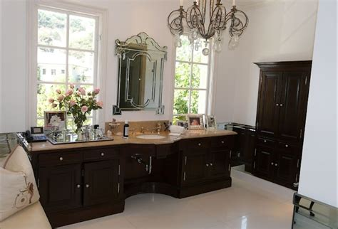 Vanderpump Bathroom - luxury pyramid luxury properties and luxury real estate
