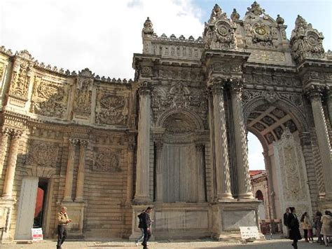the greatest of all ottoman architects no ottoman architecture here picture of dolmabahce