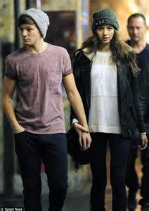taylor swift holds hands with harry styles as they arrive at her hotel at 4am following madison