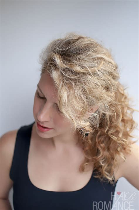 hairstyles for curly hair in a ponytail curly hairstyle tutorial the curly ponytail hair romance