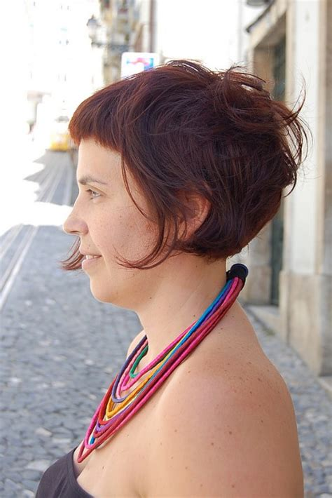 inverted bobs for women tuck behinfear hairstyles for women that look like hair is tucked behind