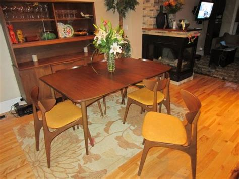 Mid Century Dining Room Furniture by Mid Century Modern Dining Room Sets Marceladick