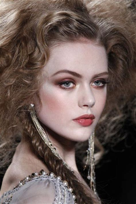 model makeup runway makeup looks and tips marie claire frida gustavsson beauty health tips pinterest