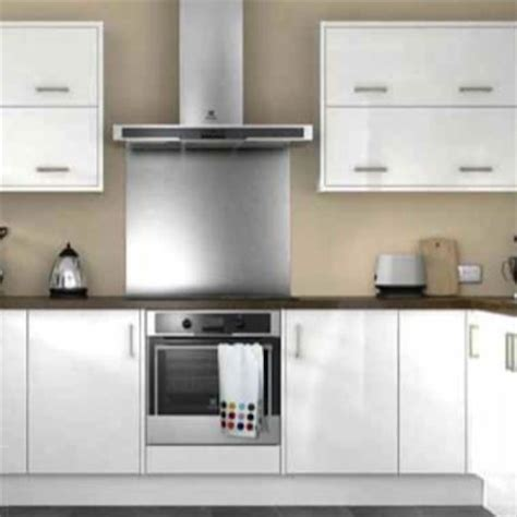 wickes kitchen wall cabinets 1000 images about white gloss kitchens on pinterest