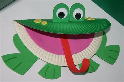 paper frog craft our current theme in the workshops is the jungle rainbow