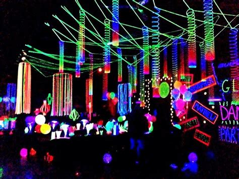 Neon Themed Events | cheap blacklights to decorate your party party ideas hq