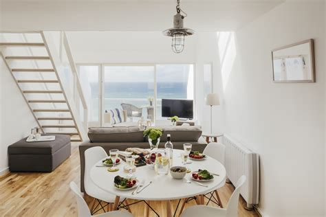 the living room st ives 22 piazza one bedroom apartment with sea views in st ives