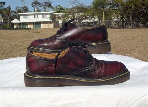 Sepatu Boots Dr Martin Docmart Maroon 38 best images about shoes on doctors footwear and doc martens