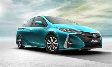 new toyota hybrid new toyota prius in hybrid revealed at new york auto show