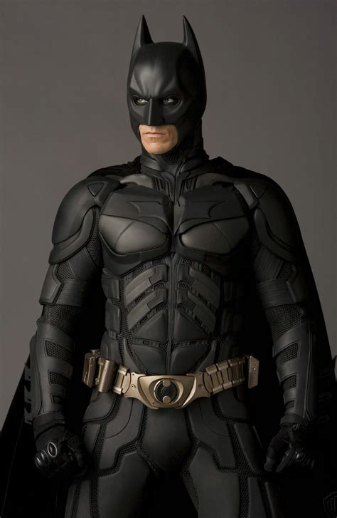 why batman a look at the armor that hides the identity of