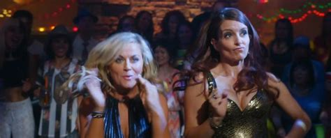 Poehler Wardrobe Malfunction by Tina Fey Poehler Throw House In
