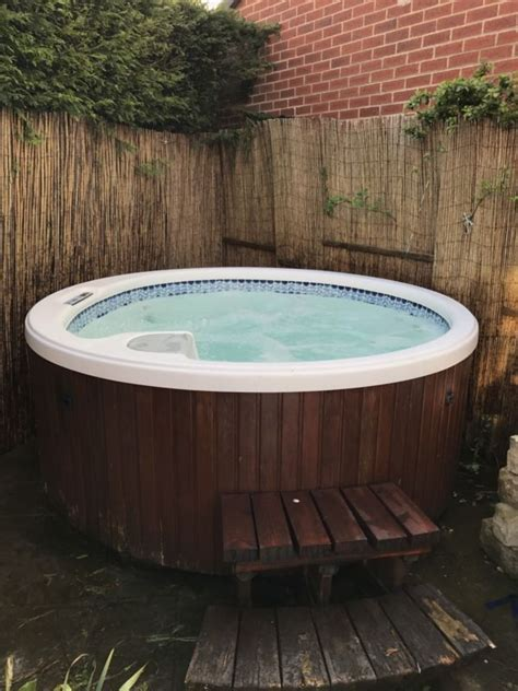Spa Tubs For Sale Dimension One Arena Tub For Sale From United Kingdom