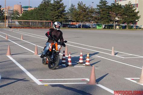 test patente macchina patenti per la moto troppe e costose scoraggiano i