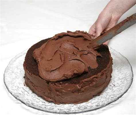 best chocolate frosting for cake chocolate cake frosting durmes gumuna