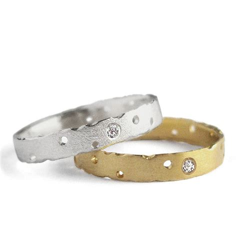 how to shop for gold and silver rings from dealers