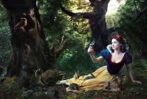 Disney Princess Enchanted Tales Vanity Annie Leibovitz S Disney Dream Portrait Series Disney