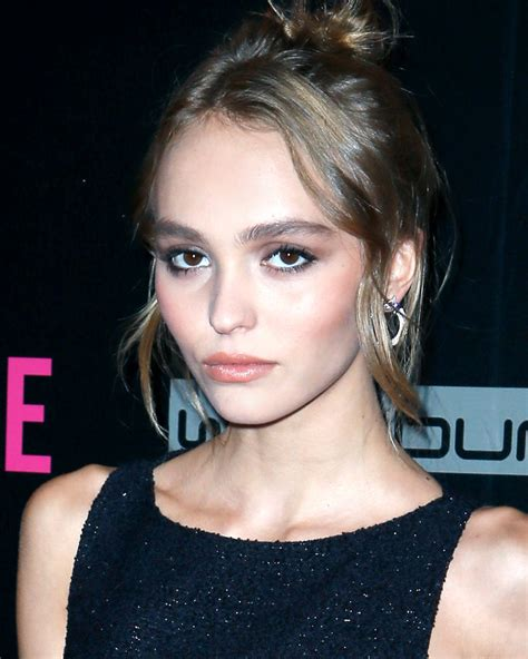 Home Color Decorating Ideas Lily Rose Depp S 90s Street Style And Red Accessories