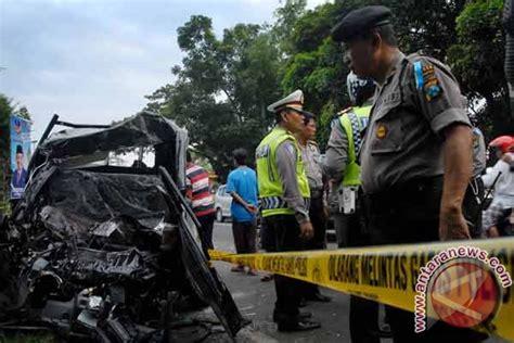 kabar berita kecelakan di ambon hari ini korban tewas kecelakaan probolinggo jadi 18 orang antara