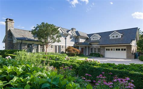 new york cottages waterfront home on rye s manursing island asks 7 9m