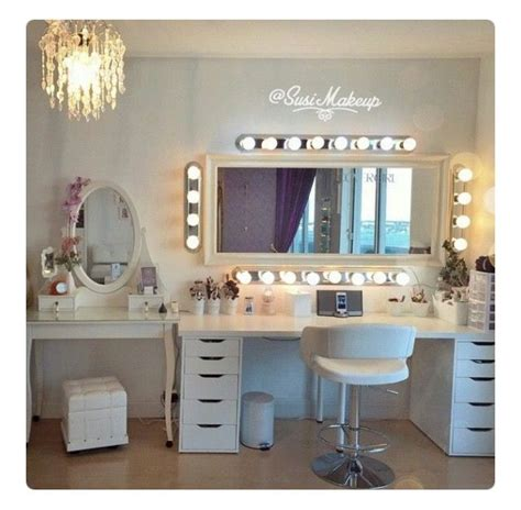 vanity room salon 25 best ideas about makeup salon on makeup studio dressing table organisation and