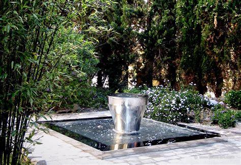 jardin fontaine cr 233 ation de fontaine de jardin design tropez d 233 co luxe