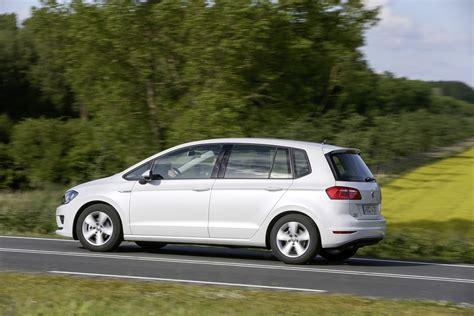 volkswagen golf tsi volkswagen reveals golf sportsvan tsi bluemotion with 1