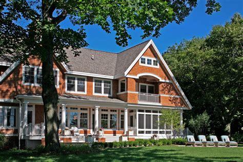 shingle style cottage shingle style cottage on lake michigan