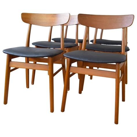 Beech Dining Chairs Teak And Beech Farstrup Dining Chairs Set Of Six 1960s For Sale At 1stdibs