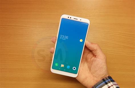 Xiaomi Redmi 5 Plus Black xiaomi redmi 5 plus 3 32gb black 4218