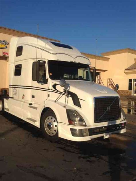 volvo vnl 780 price volvo vnl 780 2008 sleeper semi trucks