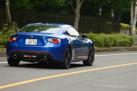 subaru brz black 2015 subaru brz ts 2015 review pictures auto express